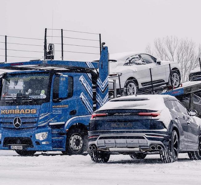 erikoisautojen kuljetus-kurbads
